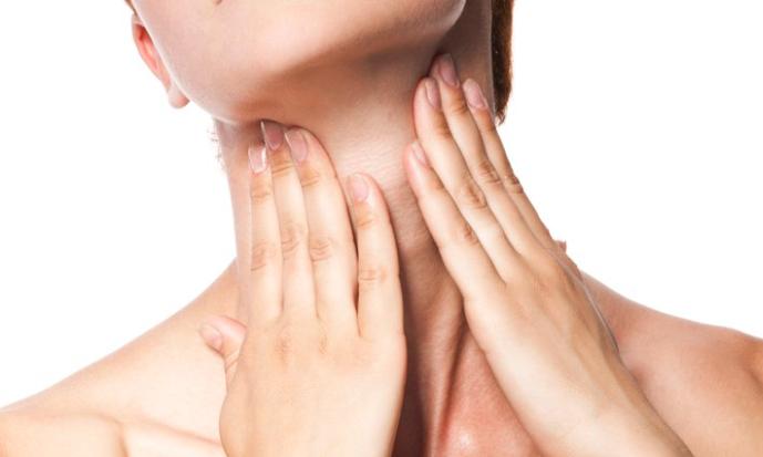 Como mejorar las arrugas del cuello? - Clínica Forcada